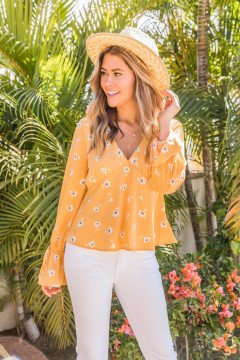 Remind_My_Heart_Floral_Blouse_Yellow_The_Michelle_White_Flare_Jeans_1__44744.1551281513